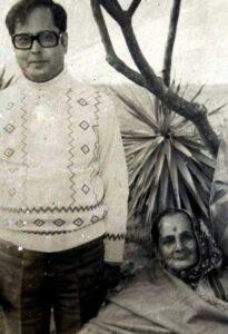 Pranab Mukherjee with his mother