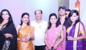 Sushant Singh Rajput with his father & sisters