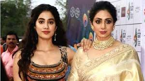 Jhanvi Kapoor with her mother
