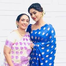 Anu Emmanuel with her mother