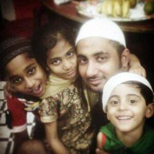 Zubair Khan with his kids