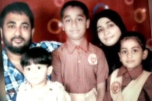 Zubair Khan with his wife & kids
