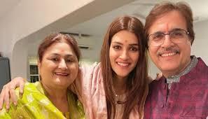 Kriti Sanon with her parents