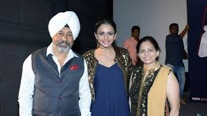 Rakul Preet Singh with his parents