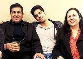 Sidharth Malhotra with his parents