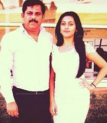 Anu Emmanuel with her father