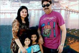Jaan Kumar Sanu with his father & stepmother Saloni