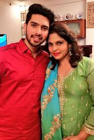 Armaan Malik with his mother