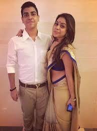 Sumona Chakravarti with her brother