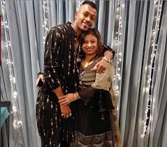Hardik Pandya with his mother
