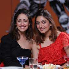 Yami Gautam with her sister