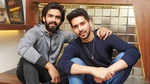 Armaan Malik with his brother