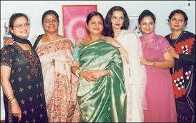 Rekha with her sisters