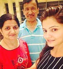 Rubina Dilaik with her parents