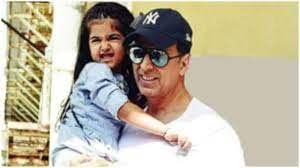 Akshay Kumar with his daughter