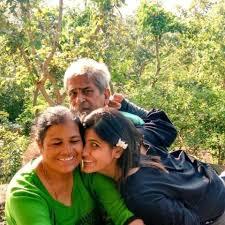Rubika Liyaquat with her parents