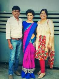 Kriti Kharbanda with her parents