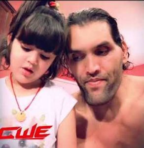 The Great Khali with his daughter