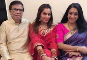 Bipasha Basu with her parents