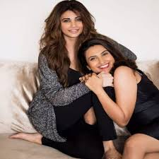 Daisy Shah with her sister