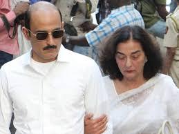 Akshaye Khanna with his mother