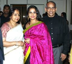 Vidya Balan with her parents