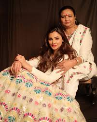 Daisy Shah with her mother