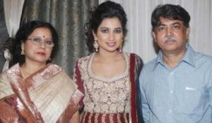 Shreya Ghoshal with her parents