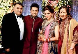 Aamna Sharif with her parents