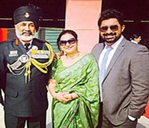 Rannvijay Singh with his parents