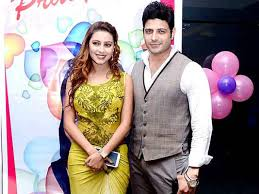 Pratyusha Banerjee with Makrand Malhotra