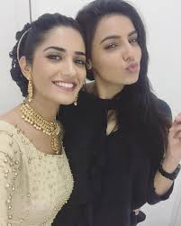 Ginni Kapoor with her sister