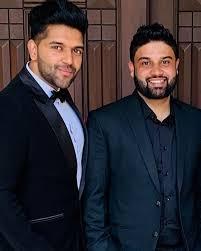 Guru Randhawa with his brother