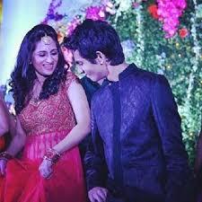 Anirudh Ravichander with his sister