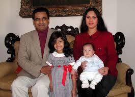 Meenakshi Seshadri with her husband Harish & kids
