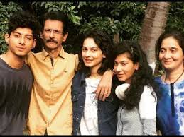 Aneri Vajani with her family