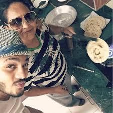 Raftaar with his mother