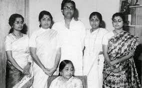 Lata Mangeshkar with her brother & sisters