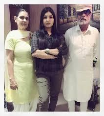 Anmol Gagan Maan with her parents
