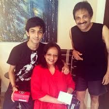 Anirudh Ravichander with his parents