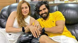 Jwala Gutta with her husband Vishnu