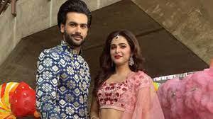 Madhurima Tuli with her boyfriend