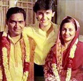 Sonu Nigam with his parents