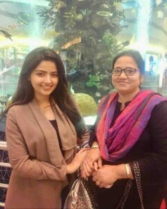 Shirin Kanchwala with her mother