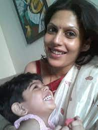 Palki S Upadhyay with her daughter