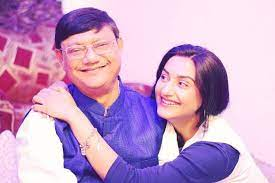 Rati Pandey with her father