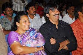 Ravi Teja with his mother