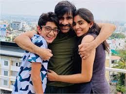 Ravi Teja with his children