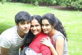 Dhruv Vikram with his mother & sister