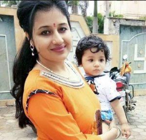 Paridhi Sharma with her son